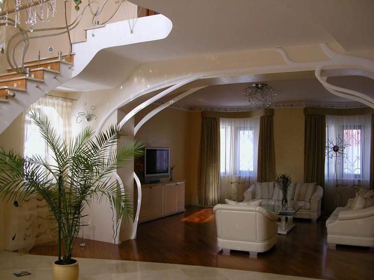 В состав комплекса входит 98 квартир различной планировки - от 1 до 5 комнат, площадью от 25 до 200 квм единое эллиптическое пространство формирует